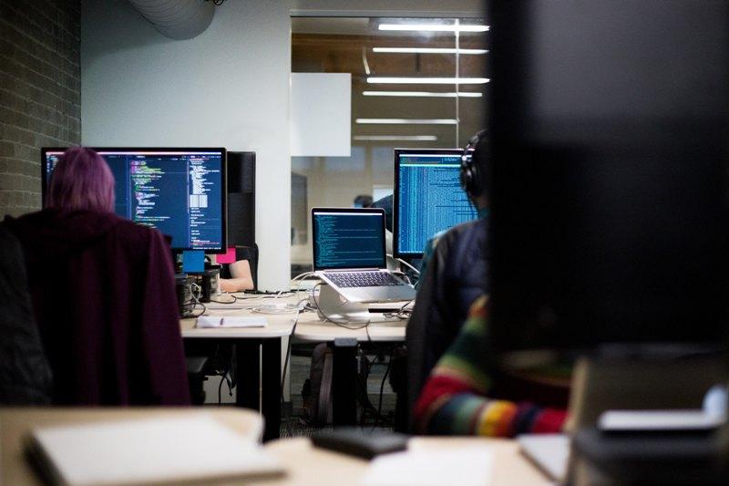 jak wybrać softwarehouse